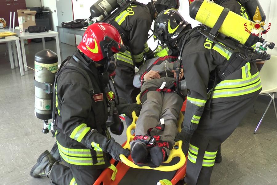 Foto: Vigili del Fuoco Trieste addestramento tecniche di soccorso a persona con SLA