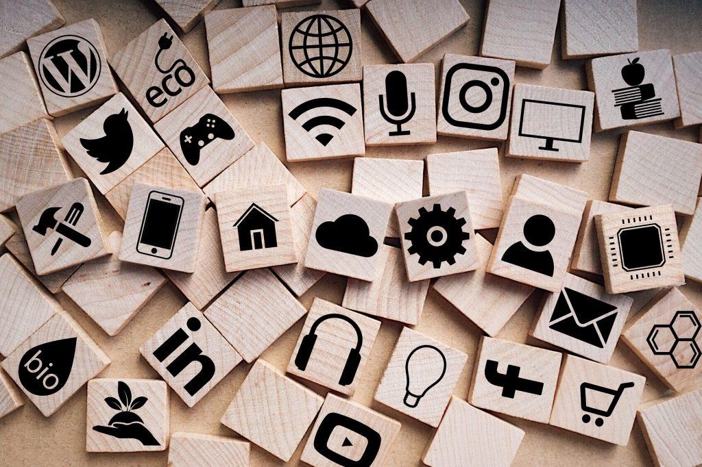 Digital-Agility è un app che supporta la comunicazione attraverso una chat con un sistema di CAA Comunicazione Aumentativa e Alternativa